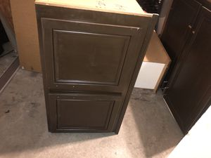 Kitchen cabinet like new 22x39 for Sale in Bloomington, CA