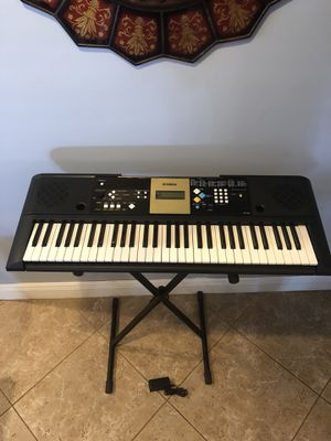 Yamaha YPT-220 music 🎵 keyboard 🎹 for Sale in Goulds, FL