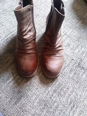 Women Boots size 8 for Sale in Aurora, CO