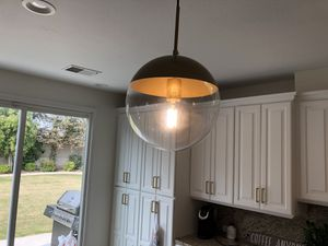 3 pendant lights for Sale in Bakersfield, CA