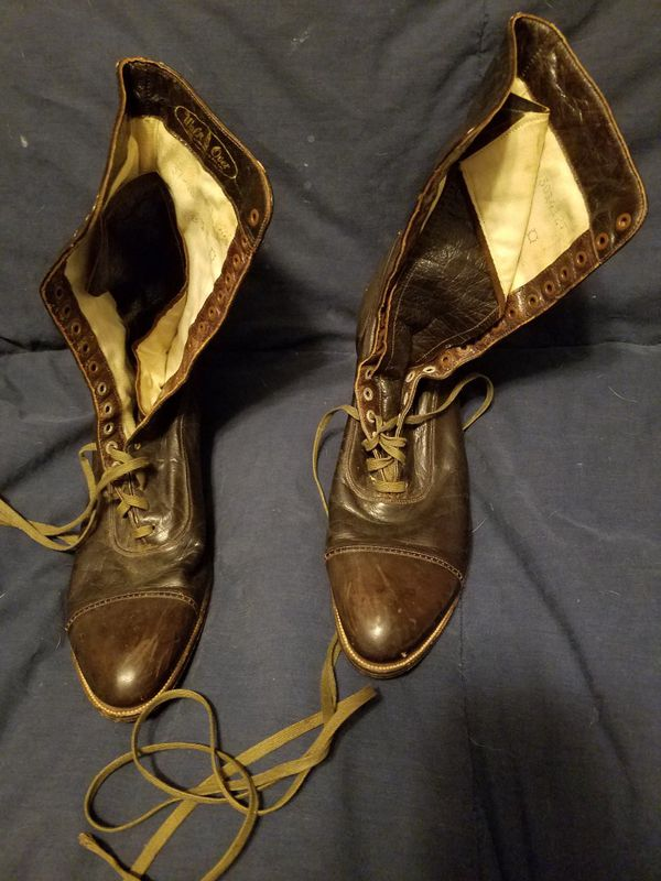 Antique 'Walk Over' Womans Brown Leather Victorian Boots (Please carefully review all pics)