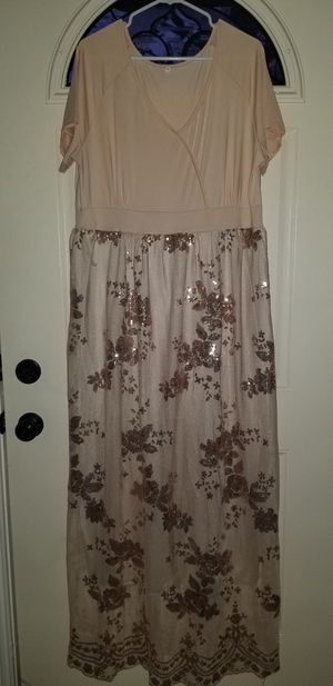 Woman's Size 4XL DRESS Worn 1 Time To a Wedding Excellent Clean Condition for Sale in Taylor, MI