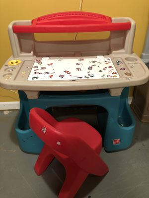 Step 2 desk for Sale in Elburn, IL