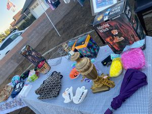 Selling stuff for Sale in Montclair, CA
