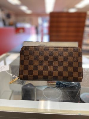Louis Vuitton Wallet for Sale in Dallas, TX