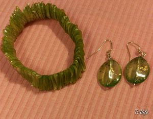 New Earrings with matching Shell Braclet for Sale in Bellflower, CA