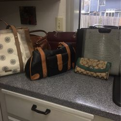Purses/Handbags for Sale in Lynnwood,  WA