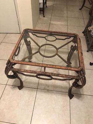 Side table for Sale in Lauderdale-by-the-Sea, FL