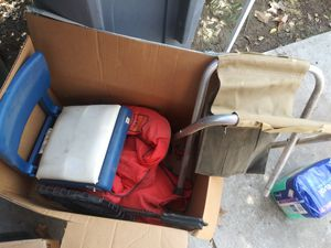 2 life vests 2 seats for Sale in Fresno, CA