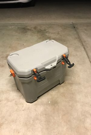Ice chest for Sale in Vacaville, CA
