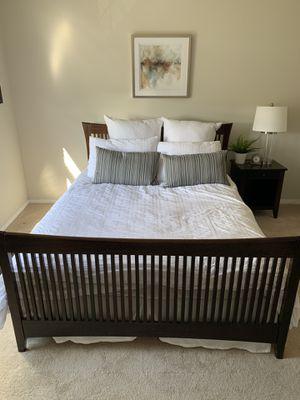 Queen bedroom set for Sale in Portland, OR