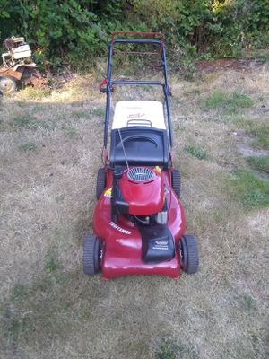 craftsman twin tunnel selfpropelled ,front drive 6.75 hp briggs power with huge bag for Sale in Marysville, WA