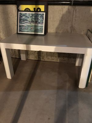 Formica table/kitchen/writing/perfect for play room for Sale in Fort Washington, PA
