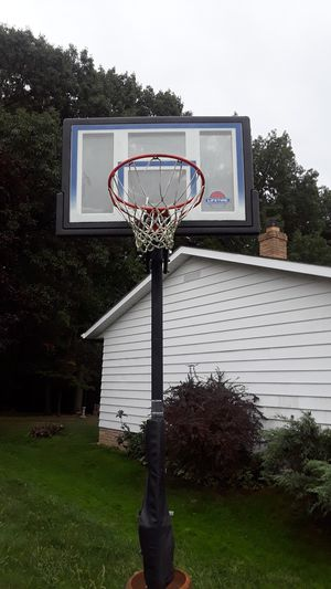 Lifetime basketball hoop for Sale in Seven Hills, OH