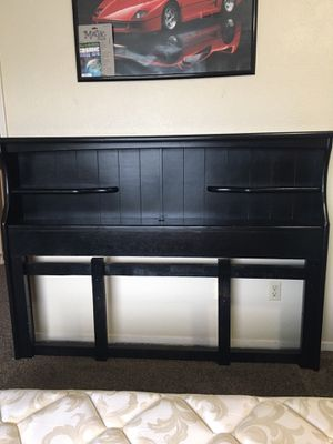 headboard Queen bed for Sale in Modesto, CA