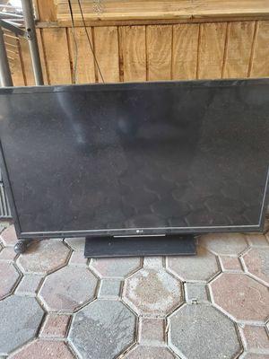 LG 32 INCH TV for Sale in Roselle, NJ
