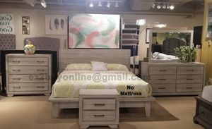PLATFORM SET IN OLD WHITE SET 4PC QUEEN BED DRESSER MIRROR AND NIGHTSTAND/NO MATTRESS INCLUDED for Sale in Los Angeles, CA
