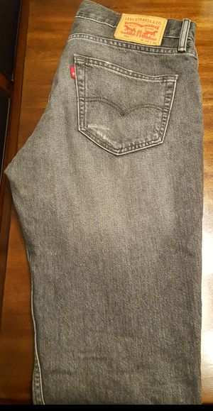 $1-Men's Levi's Jeans 34x32-distressed for Sale in Arlington, VA