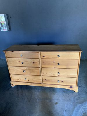 Dresser solid wood excellent condition. 34'H x 56.5'W x 17.5D for Sale in Fremont, CA