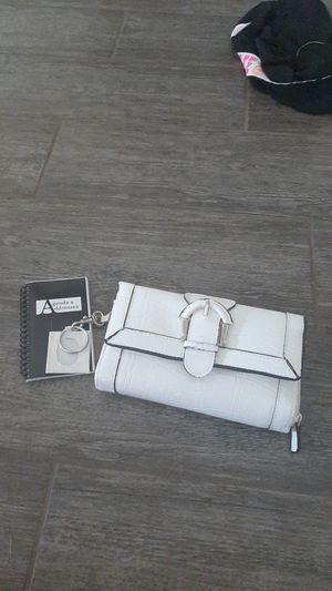 Big wallet. for Sale in Goodyear, AZ