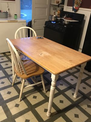Small farm table for Sale in Bellville, TX
