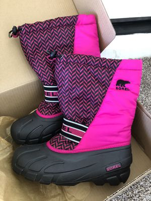 Sorel big kid size 6 (women size 7 fit too) snow boots like new for Sale in Phoenix, AZ