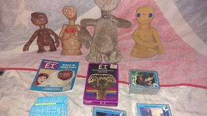ET trading cards , ET collect able action figures ,ET card game & book for Sale in Dallas, TX