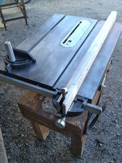"Craftsman table Saw 10"" for Sale in Scottdale,  PA"