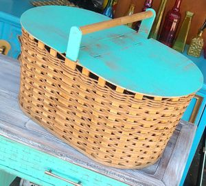 Beachy Picnic Basket for Sale in Gulfport, FL