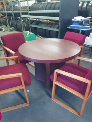 Table and chairs for Sale in Victorville, CA