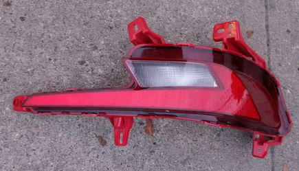 2020 Hyundai Elantra passenger side rear bumper reverse light reflector for Sale in South Gate,  CA