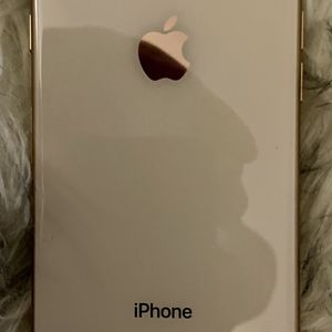 iPhone 8 Gold 64gb Verizon Mint Condition for Sale in San Diego, CA