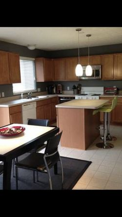 Expandable Glass Kitchen Table for Sale in Waite Hill,  OH