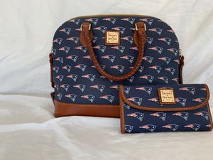 Dooney and Burke Patriots bag and wallet for Sale in Surprise, AZ