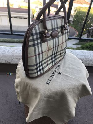 Burberry bag for Sale in Mission Viejo, CA