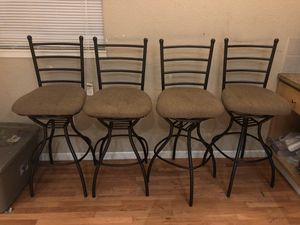 Bar height chairs - swivel for Sale in Livermore, CA