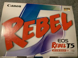 Canon Rebel T5 EOS Kit with Tripod for Sale in Addison, IL