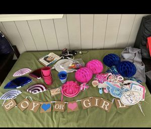 Gender reveal decorations! for Sale in Kurtistown, HI