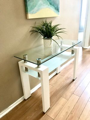 Modern table for Sale in Los Angeles, CA