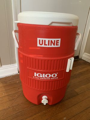 Igloo 5 gallon water cooler for Sale in Wildwood Crest, NJ