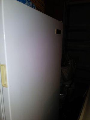 Freezer height 55× width27 for Sale in Ocala, FL