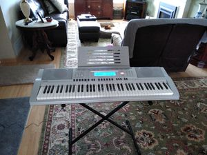 Casio wk-210 76 piano-type keys - Digital Keyboard Workstation With Stand for Sale in Pittsburg, CA