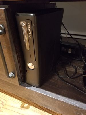 XBOX 360 with iconnect, consoles and games for Sale in Huntington, NY