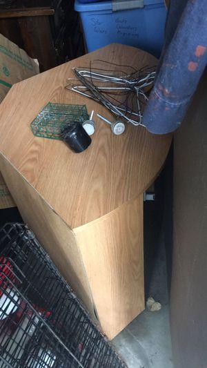 Corner computer desk for Sale in Garrett, IN