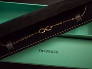 Tiffany and Co Gold 18k Infinity Bracelet DISCONTINUED for Sale in Boston, MA