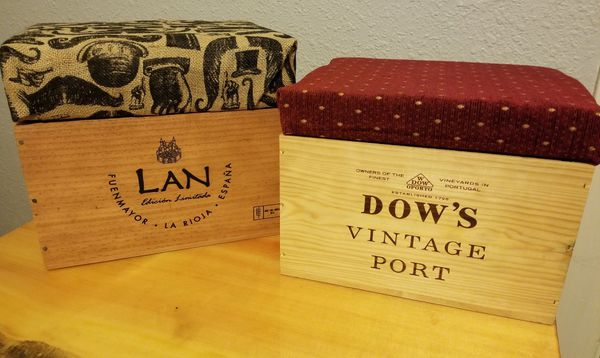 Custom Wooden Port Box Foot Stools