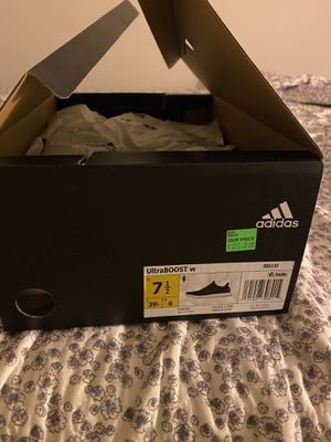 Adidas Women's Ultraboost 7 1/2 for Sale in Moreno Valley, CA