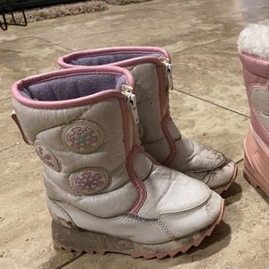 Toddler Snow Boots for Sale in Sloan, NV
