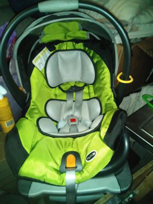 Chicco car seat for Sale in St. Louis, MO