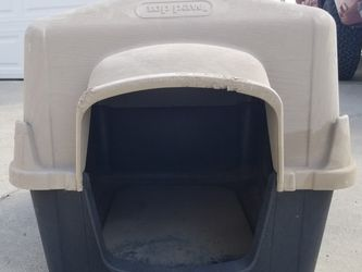 Top Paw Brand Dog House for Sale in Chino,  CA